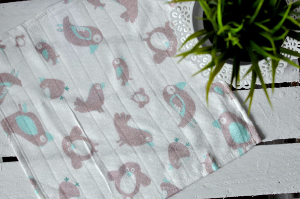 Bambusowa pieluszka ptaszki brązowe 30x30