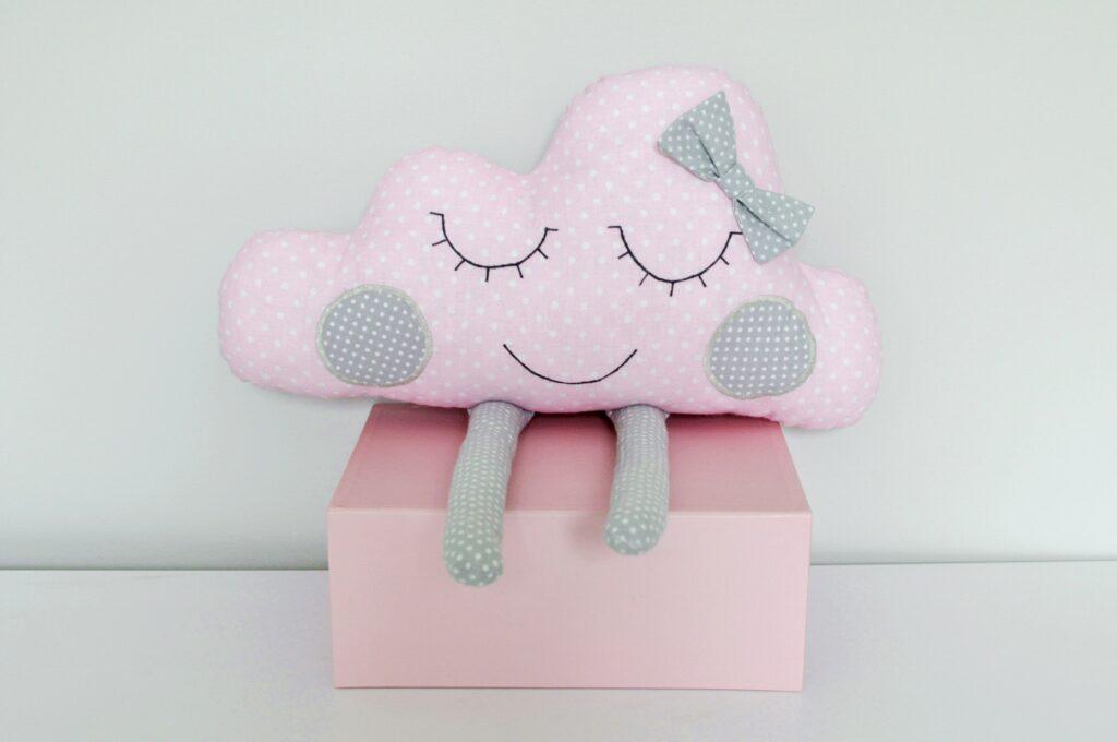 Poduszka Chmurka różowa w kropki