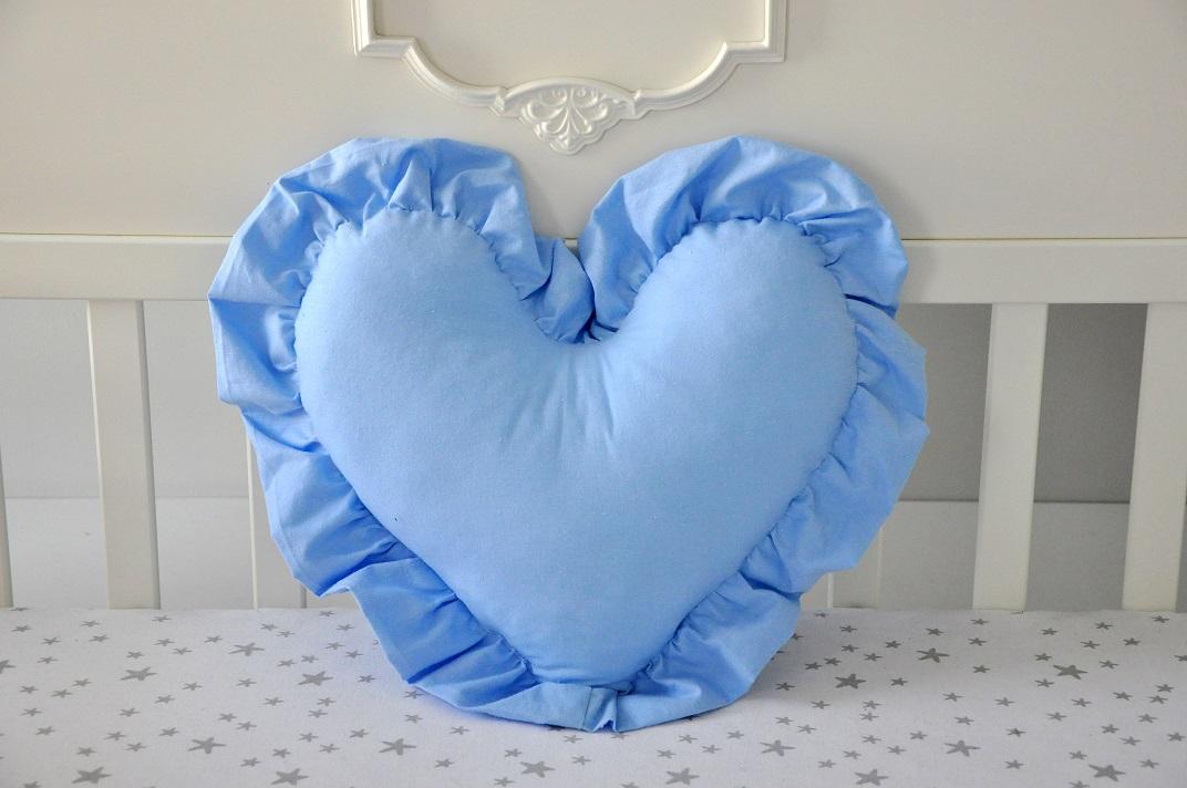 Poduszka serce z falbanką – Niebieska