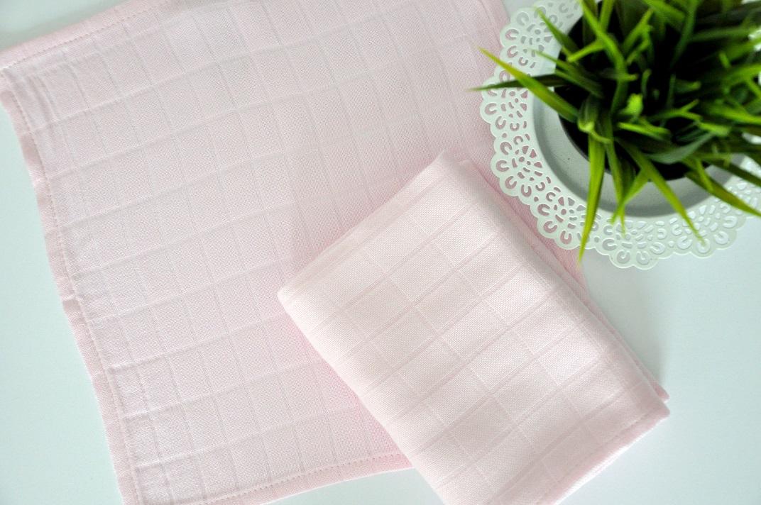 Bambusowa pieluszka Różowa 75x75