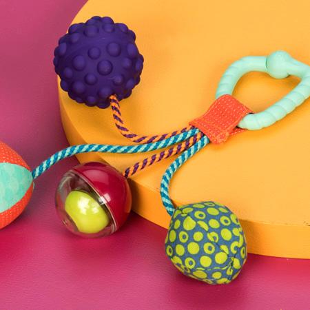 Gryzak z piłeczkami sensorycznymi | B.Toys