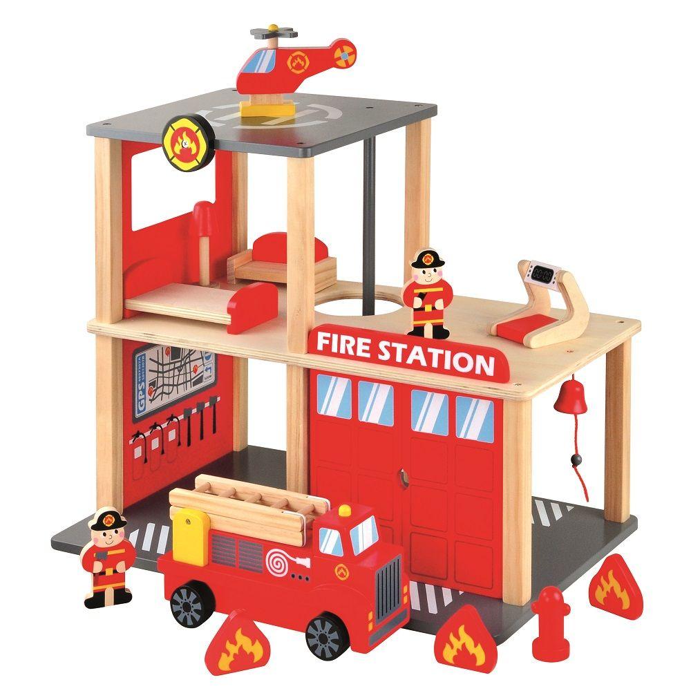 Drewniana remiza strażacka