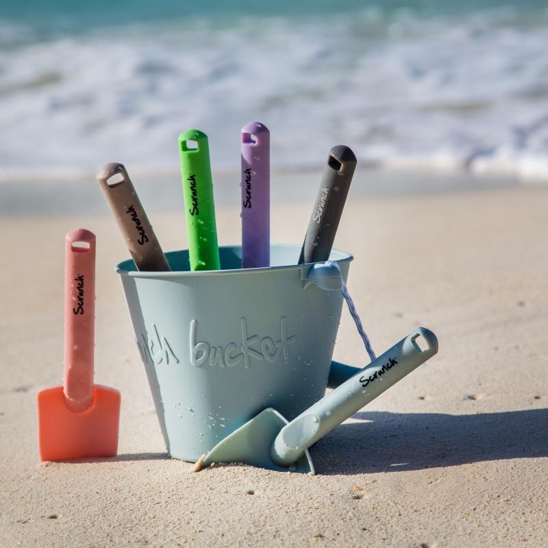 Składane wiaderko do wody i piasku Scrunch Bucket - Błękitny