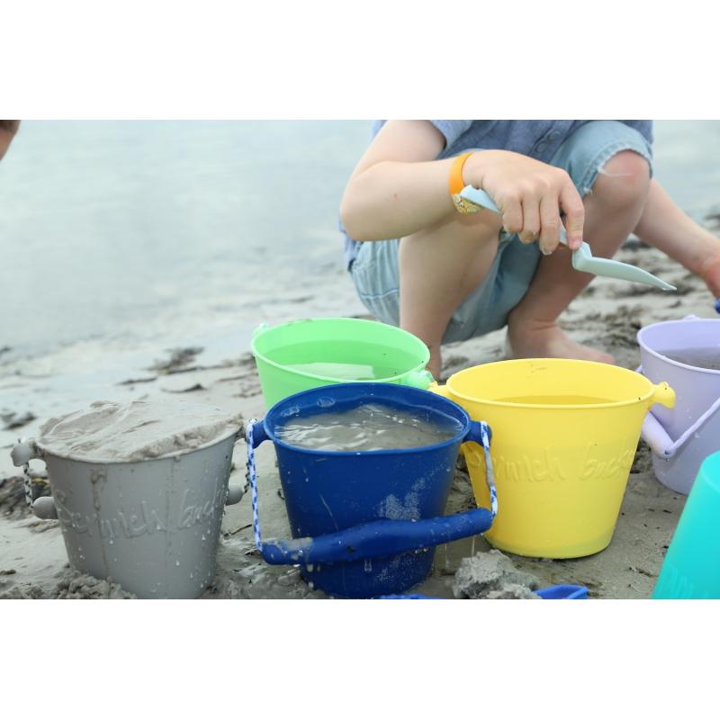 Składane wiaderko do wody i piasku Pomarańczowe | Scrunch