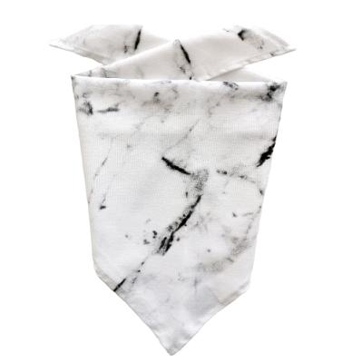 Chustka trójkątna Marble | KIMO