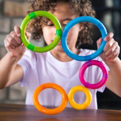 Sprytne kółka magnetyczne Tinker Rings   Fat Brain Toys
